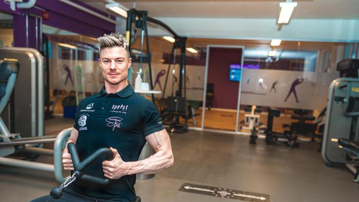 Magnus trener i studio